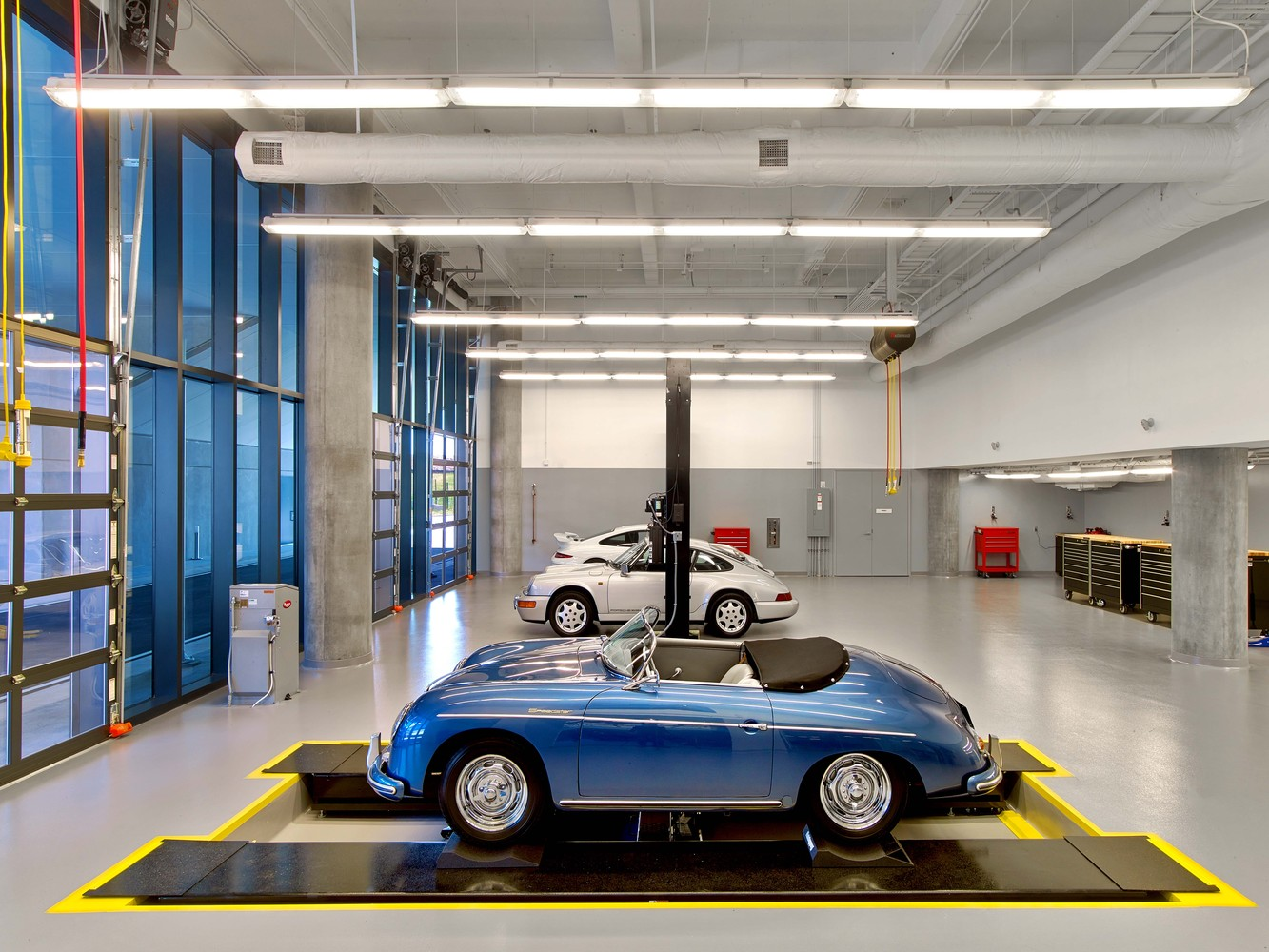 Porsche Experience Center >> Gallery Of Porsche North America Experience Center And