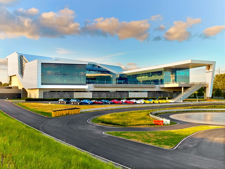 Porsche Experience Center >> Porsche North America Experience Center And Headquarters Hok