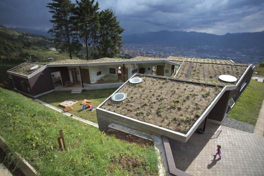 Casa M / Plan:b arquitectos