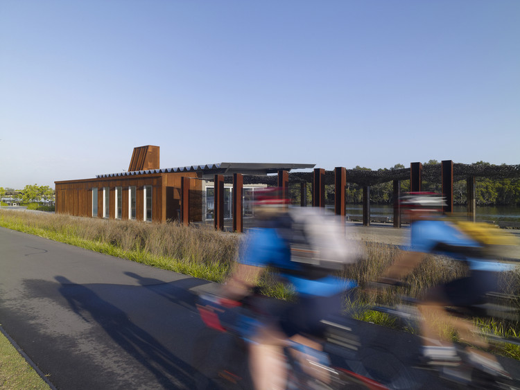 Armería Wharf  / Lahznimmo Architects, © Brett Boardman