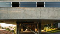 Casa e Estúdio na Vila Romana / MMBB Arquitetos