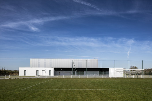 Gym Enoseis  / ENO Architectes