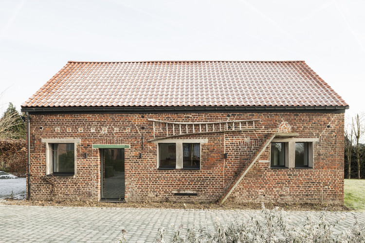 Estábulo em West Flanders / Studio Farris Architects, © Koen Van Damme