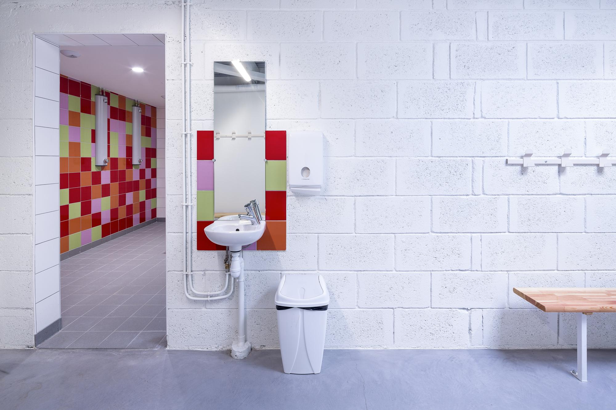 galer a de gym enoseis eno architectes 19. Black Bedroom Furniture Sets. Home Design Ideas