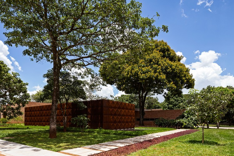 Casa BLM / ATRIA Arquitetos, © Haruo Mikami