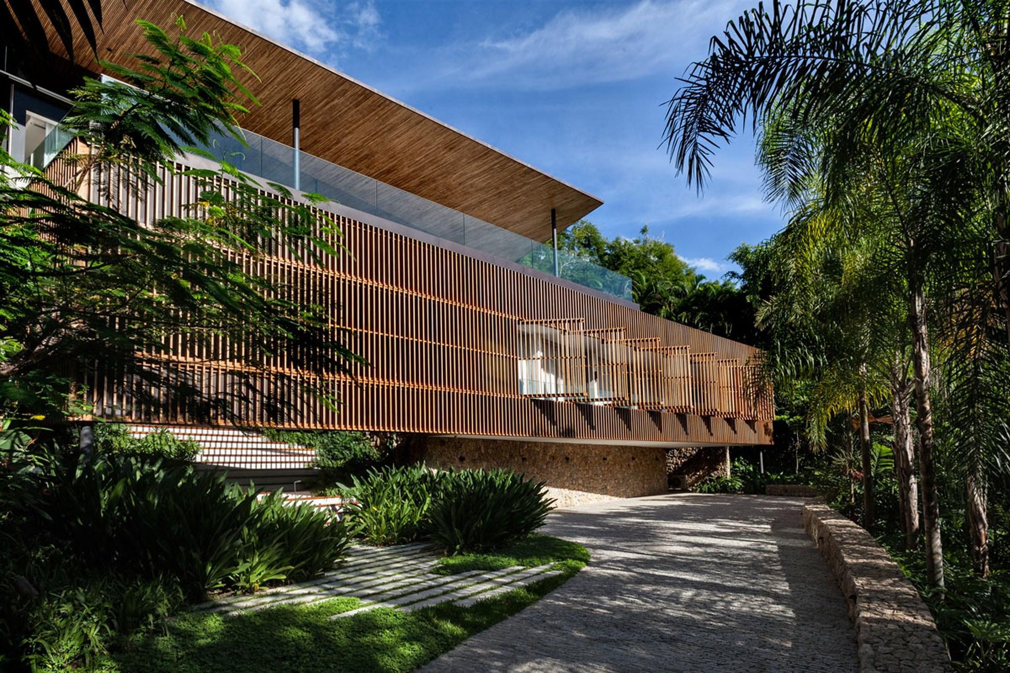 Casa delta bernardes arquitetura plataforma arquitectura for Fotos de casas modernas brasileiras