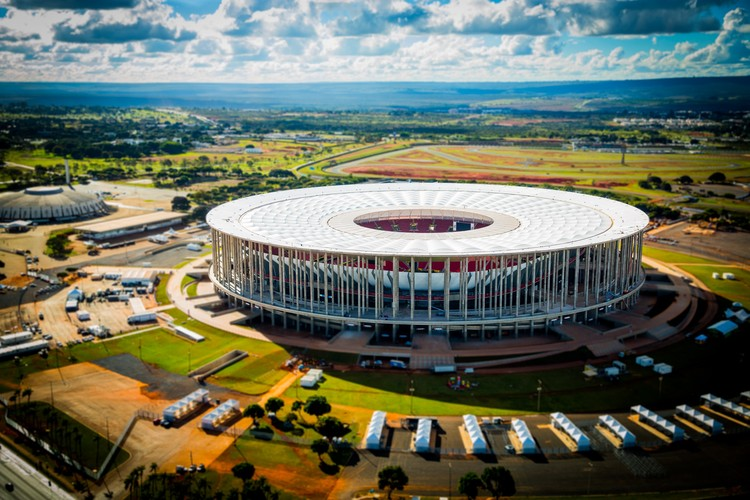 Resultado de imagem para Mane Garrincha estadio