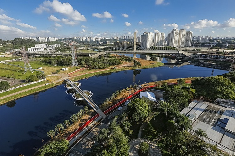 Friedrich Bayer Bridge / LoebCapote Arquitetura e Urbanismo , © Paulo Pereira