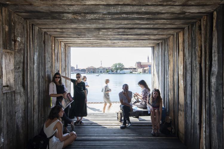 "Bienal de Veneza 2016: ""Reporting from Chile"" (ou, do Chile para o Mundo), Grupo Talca. Imagem © Laurian Ghinitoiu"