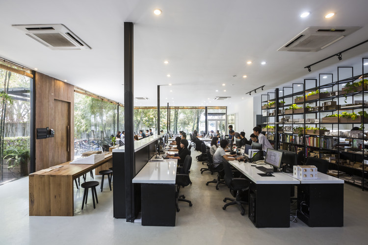 Mia design studio offices mia design studio archdaily for Product design studio