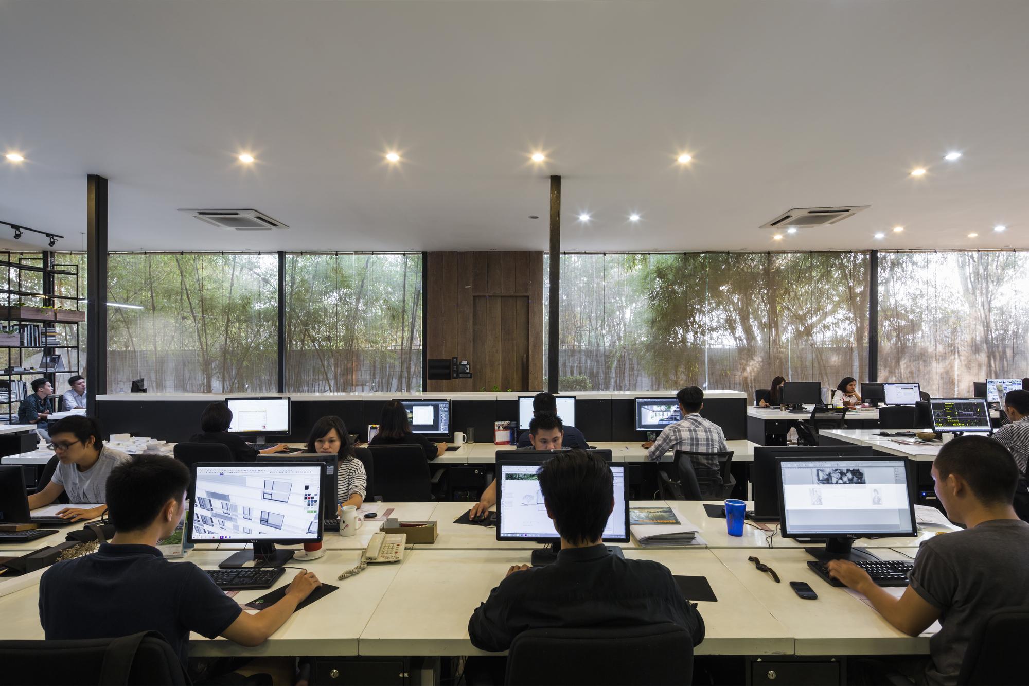 Gallery of mia design studio offices mia design studio 4 for Office design studio