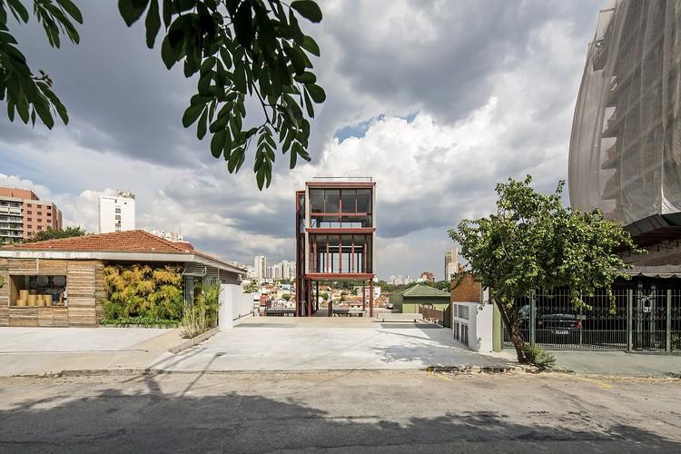Estúdio Madalena / Apiacás Arquitetos, © Leonardo Finotti