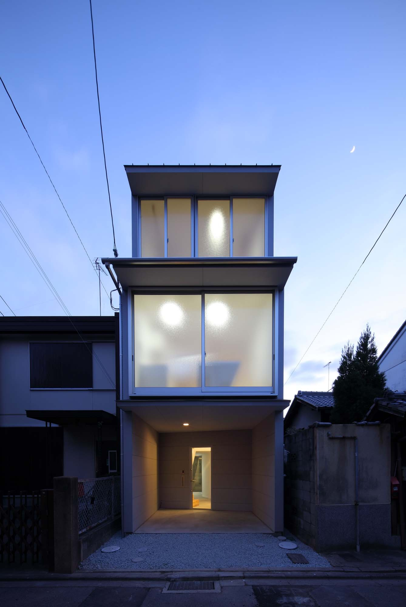 New Kyoto Town House 2 / Alphaville Architects