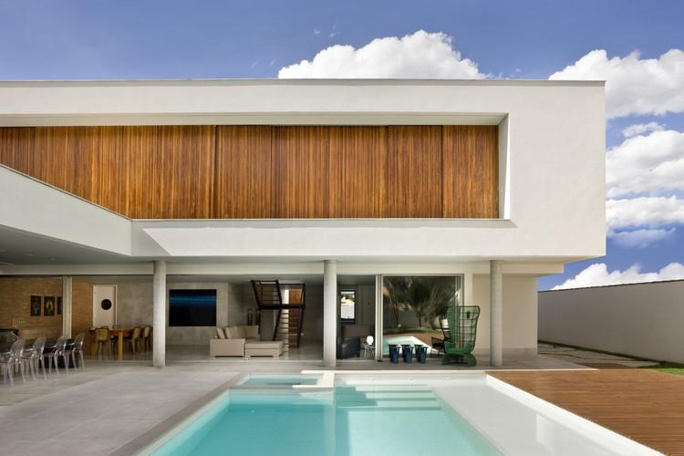 Jones House  / Patricia Almeida Arquitetura, © Edgard César