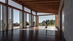 Estúdio para Yoga-Kamadhenu  / Carolina Echevarri  + Alberto Burckhardt