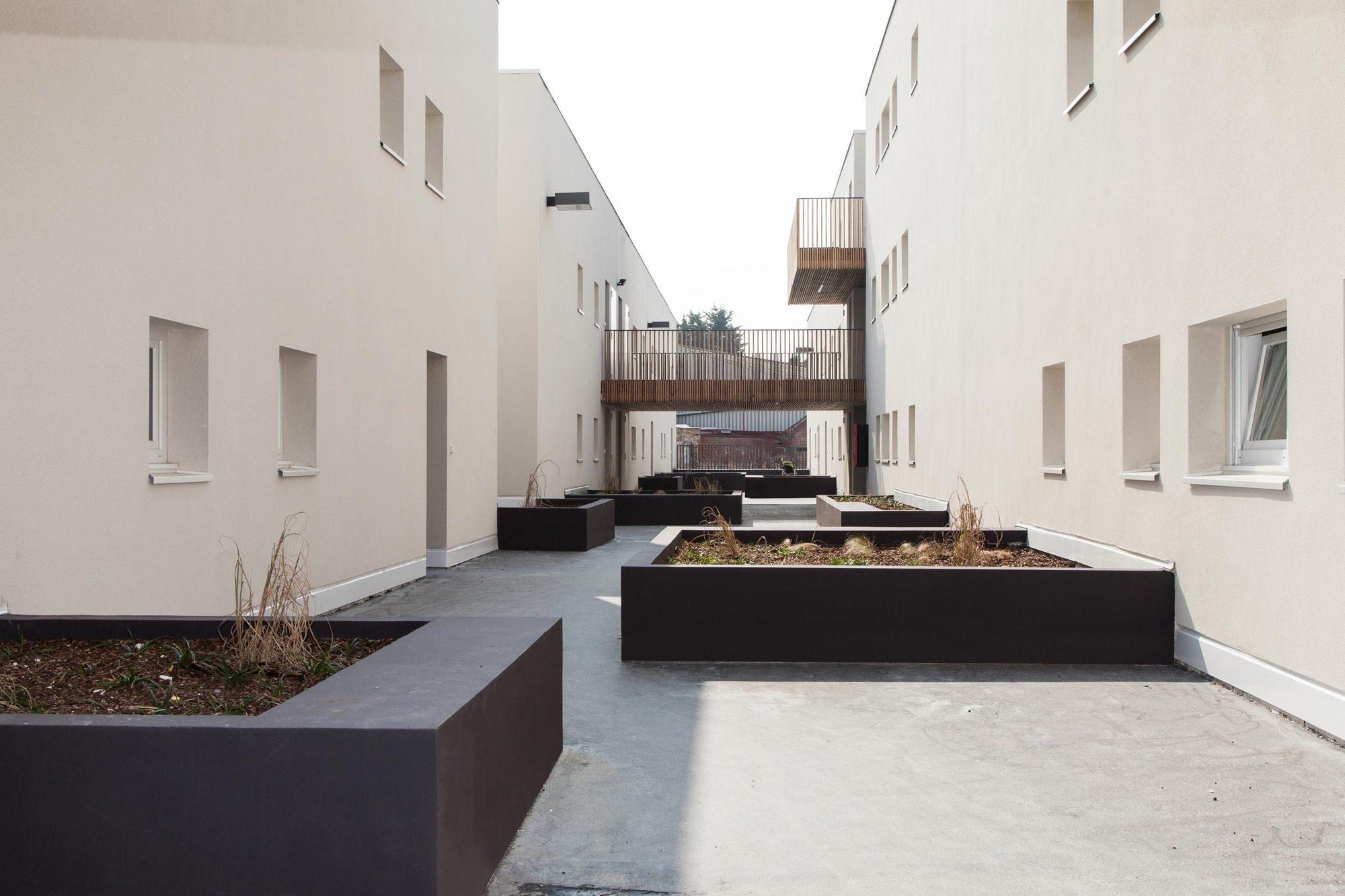 Viviendas cour e de alzua plataforma arquitectura for Plataforma de arquitectura