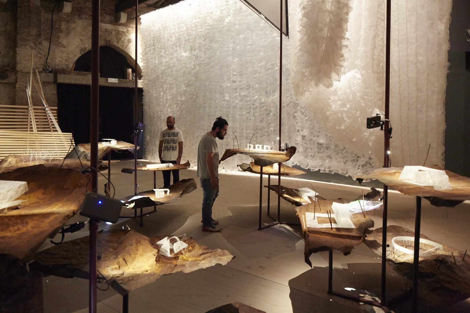 A Contracorriente Pabell N De Chile En La Xv Bienal De  # Muebles Raices Talca