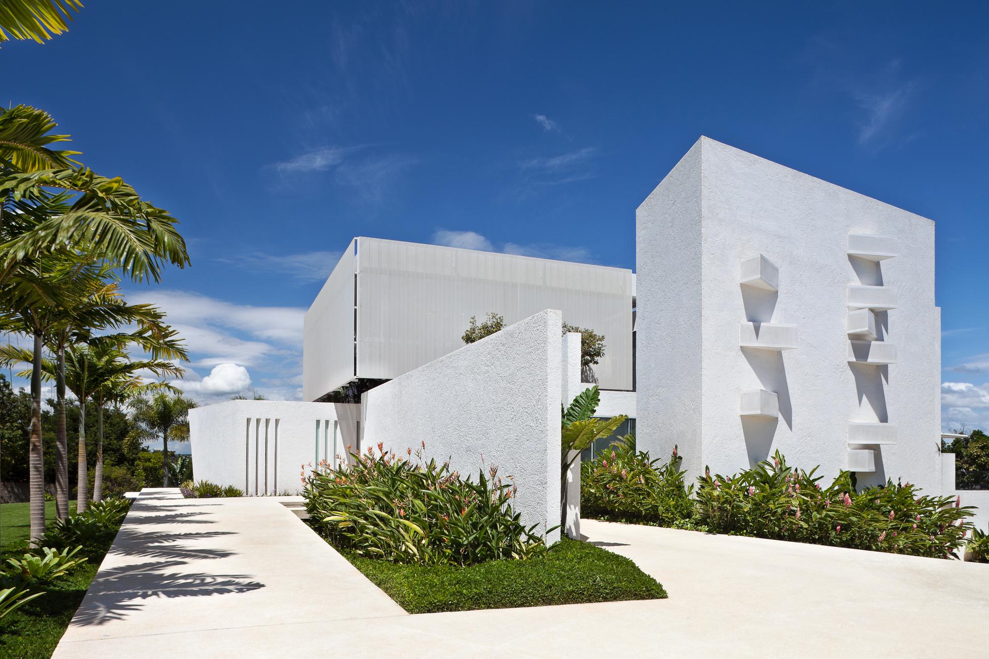 House In Lago Sul Qi 25 Sergio Parada Arquitetos Associados Archdaily