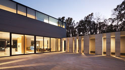 House With A Peristyle  / Drozdov&Partners