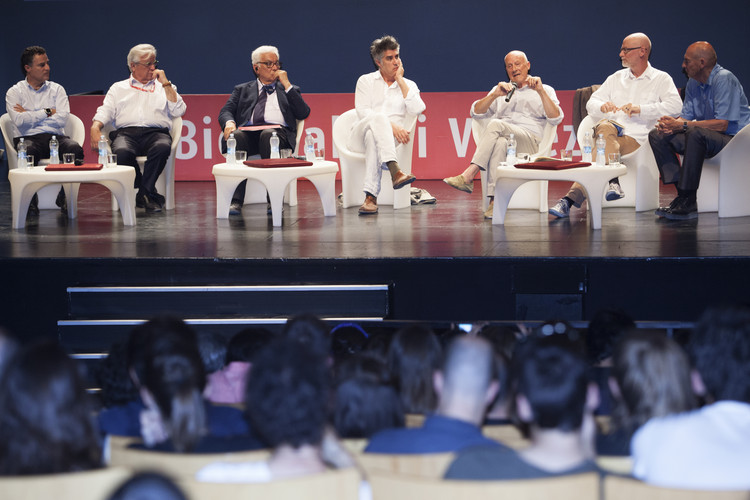 Koolhaas y Foster participan en la primera conversación de 'Meeting on Architecture' en la Bienal de Venecia, Cortesía de La Biennale di Venezia