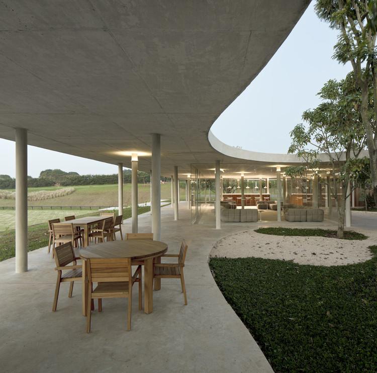Fazenda boa vista casa club centro ecuestre isay weinfeld plataforma arquitectura for Casa cub moderne