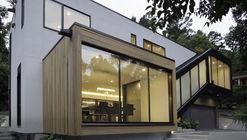 Medlin Residence  / in situ studio