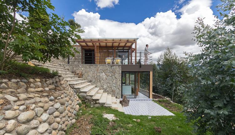 Casa de piedra inai paul vazquez plataforma arquitectura for Terrazas economicas chile
