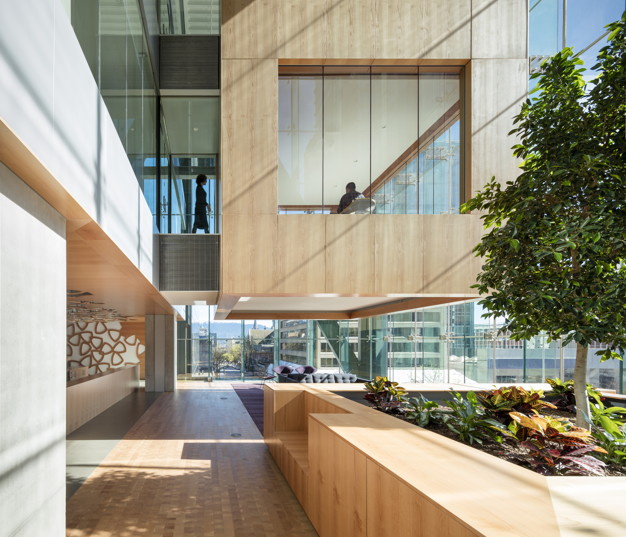 office garden. Telus Garden / Office Of Mcfarlane Biggar Architects + Designers Inc. | ArchDaily