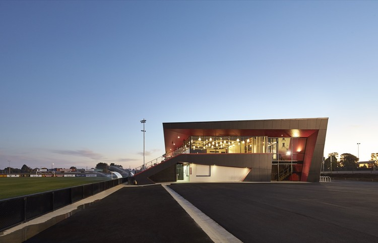 Ballarat Regional Soccer Facility / K20 Architecture, © Peter Bennetts
