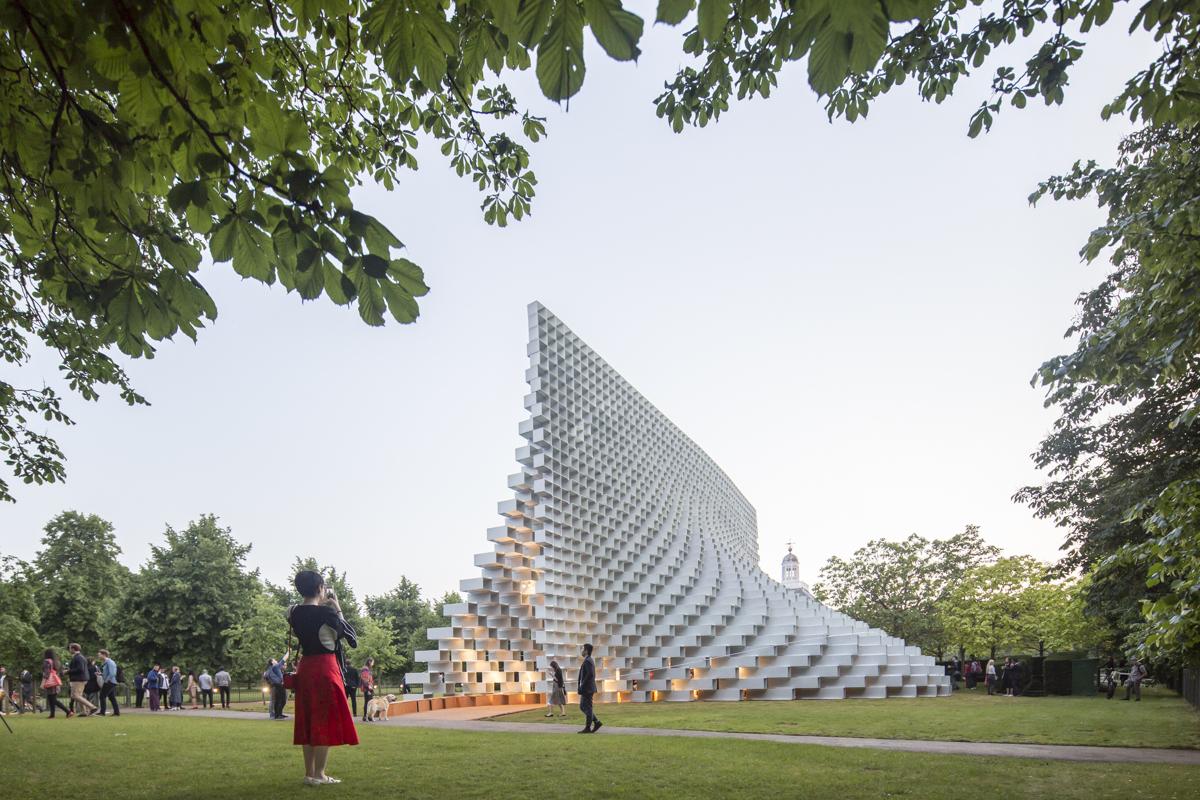 Serpentine Pavilion e Summer Houses pelas lentes de Laurian Ghinitoiu