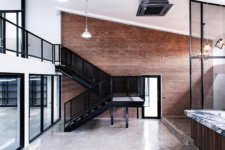V-Office  / Scaleup Architects, © Jirayu Sornnuwat