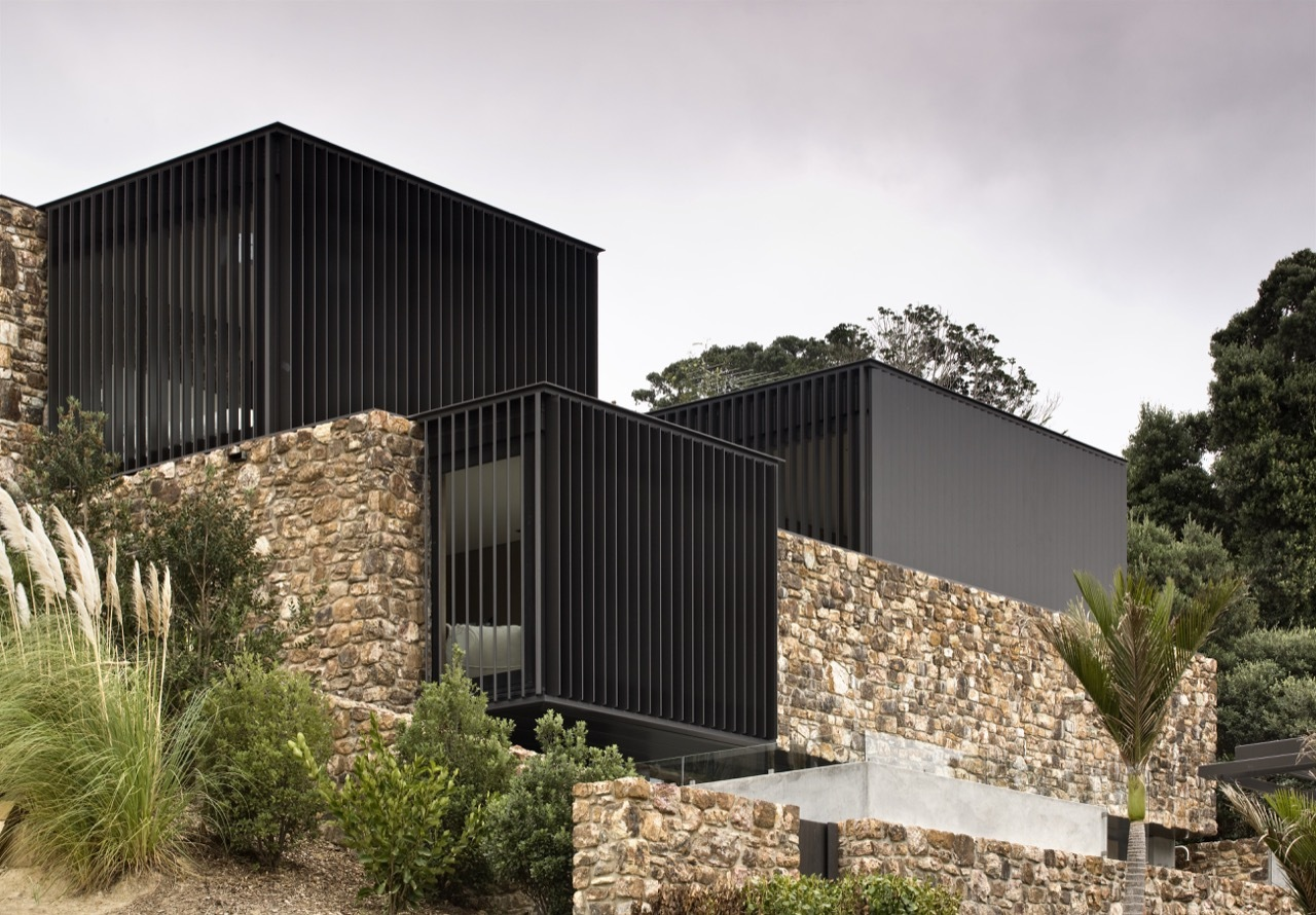 Local rock house pattersons archdaily for Rock house plans