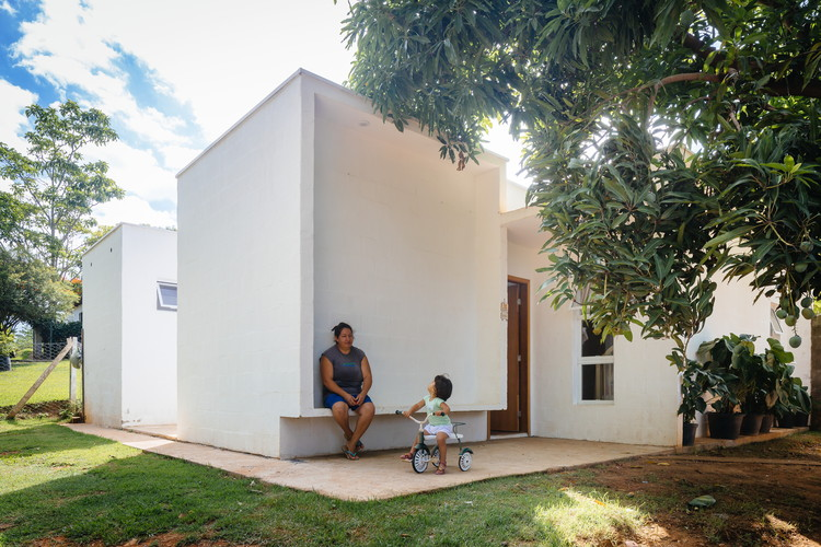 Casa dos Caseiros  / 24.7 arquitetura design, © Pedro Kok