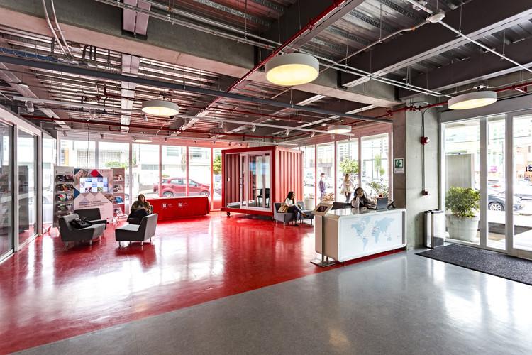Escuela Internacional de Diseno y Comercio Lasalle College  / MRV arquitectos + NOAH arquitectura, © Jairo Llano