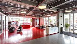 Escuela Internacional de Diseño y Comercio Lasalle College  / MRV arquitectos + NOAH arquitectura