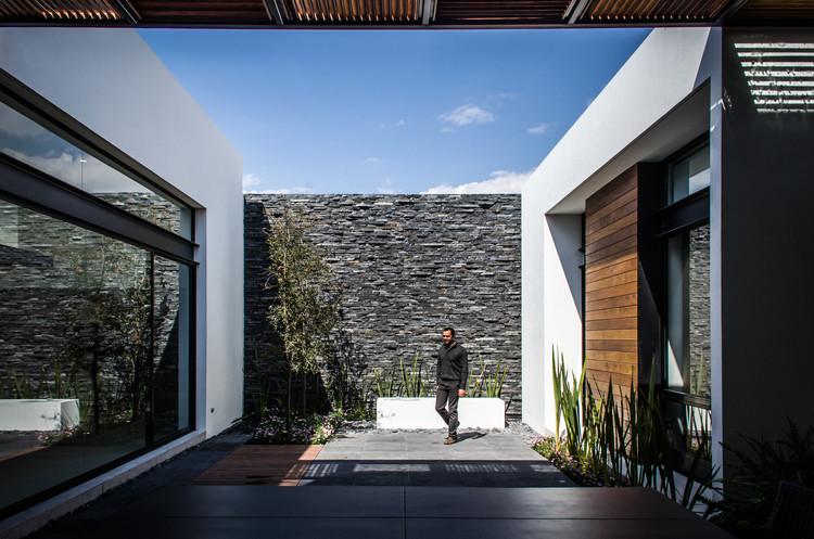 Casa agr adi arquitectura y dise o interior plataforma for Arquitectura planos y disenos