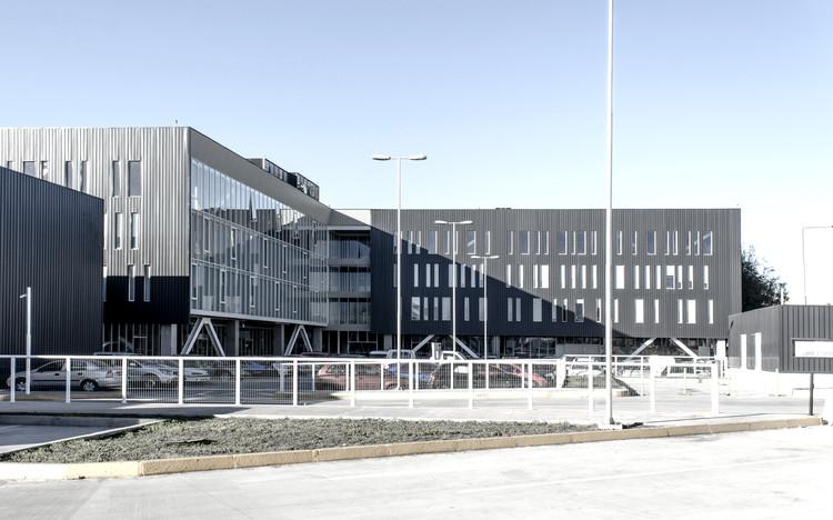 Edificio EOS  / Amunátegui Barreau, © Javier Basualdo – Amunategui Barreau AIA