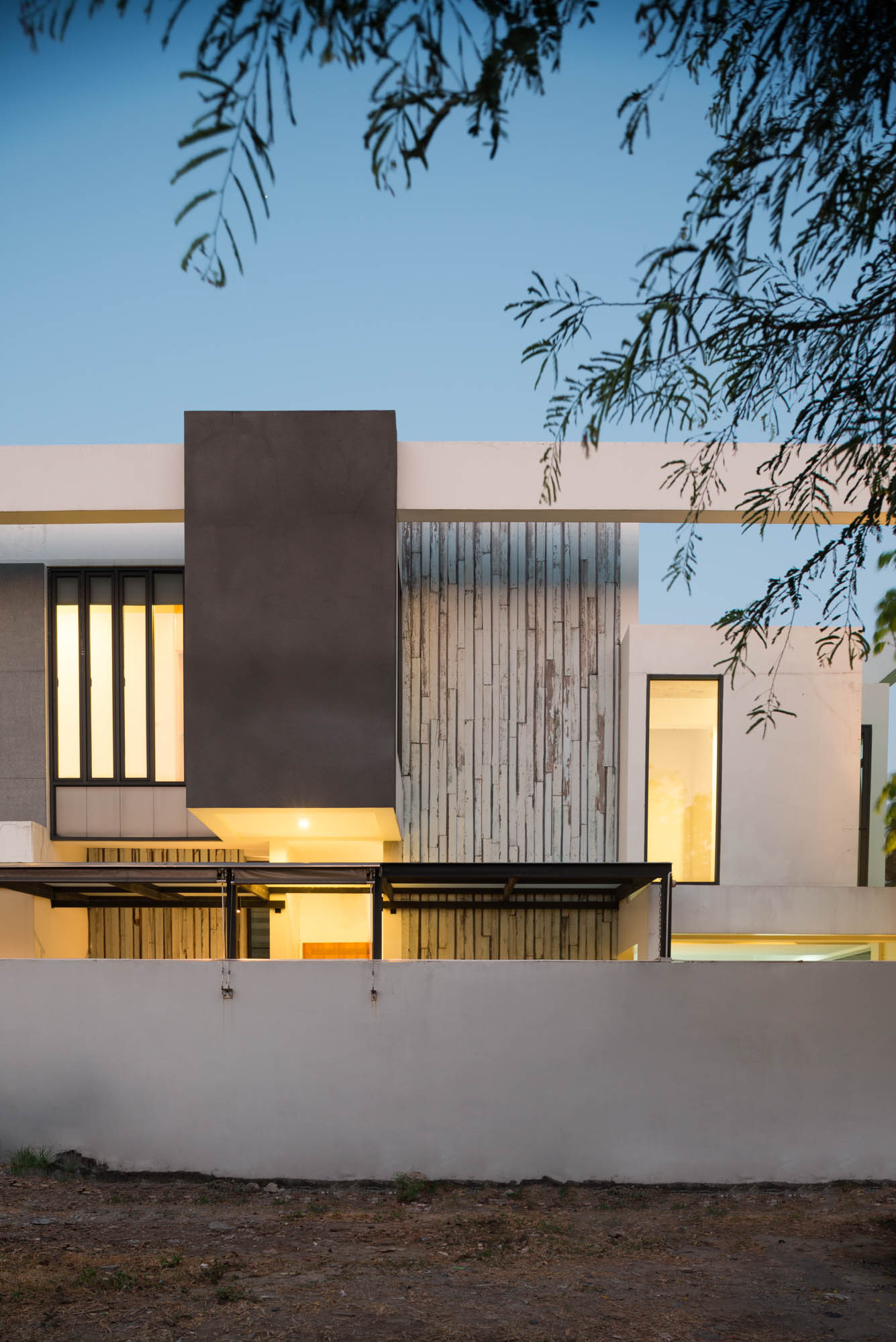Bangna House / Archimontage Design Fields Sophisticated