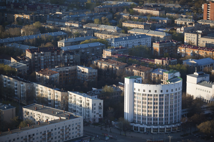 A Soviet Utopia: Constructivism in Yekaterinburg, Chekist Town (1929-1936). Image © Fyodor Telkov