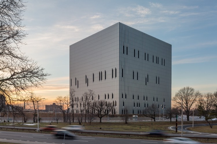 Public Safety Answering Center II / SOM, © Lester Ali