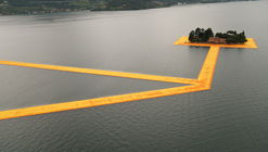 "The Floating Piers Opens on Lake Iseo Allowing Visitors to ""Walk on Water"""