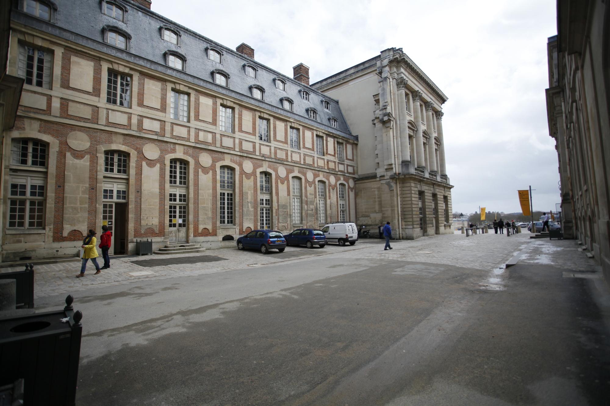 Gallery of refurbishment of the pavilion dufour ch teau de for Architectes versailles