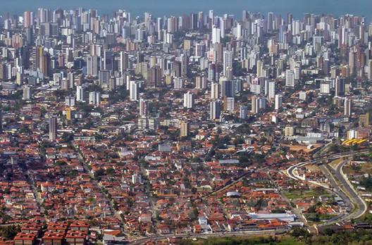 Senado discute projeto de lei que pode alterar a função dos Planos Diretores, Fortaleza-CE. Image © Tony Gálvez, via Flickr. CC