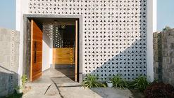 KONTUM House  / Khuon Studio