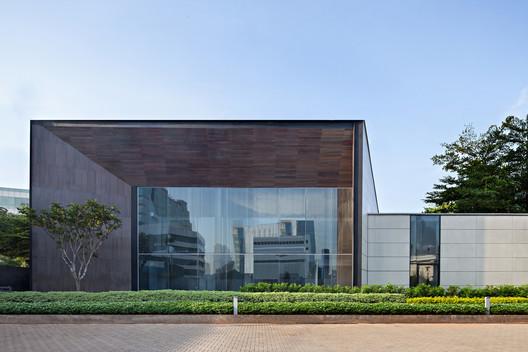 Galeria Arzuria /  SCDA Architects