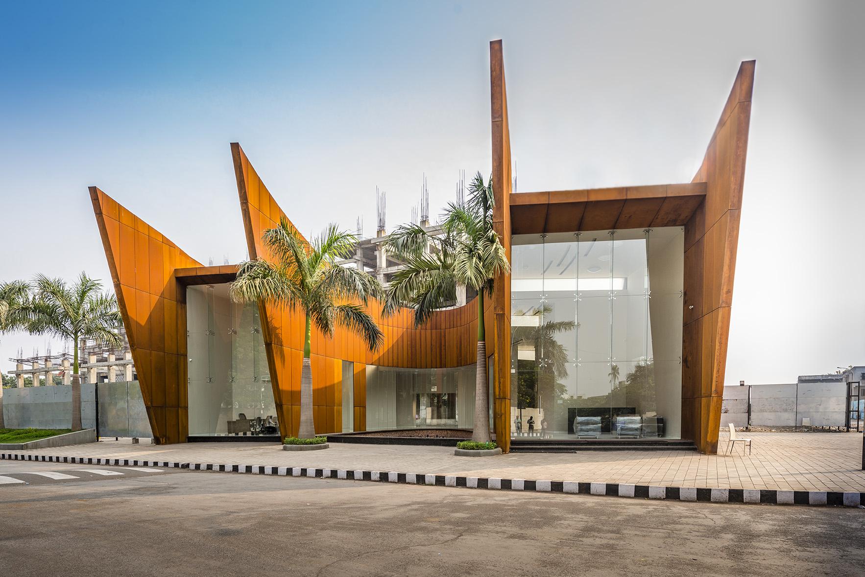 The Crescent / Sanjay Puri Architects