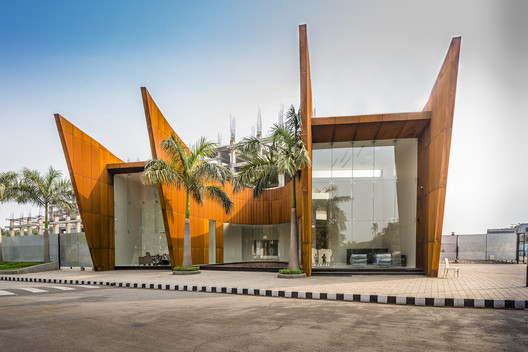 The Crescent  / Sanjay Puri Architects