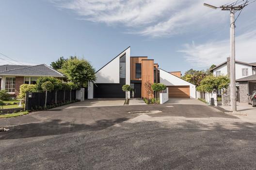 Gleneagles Terrace  / Allfrey + South Architects