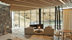 Seascape Retreat  / Pattersons