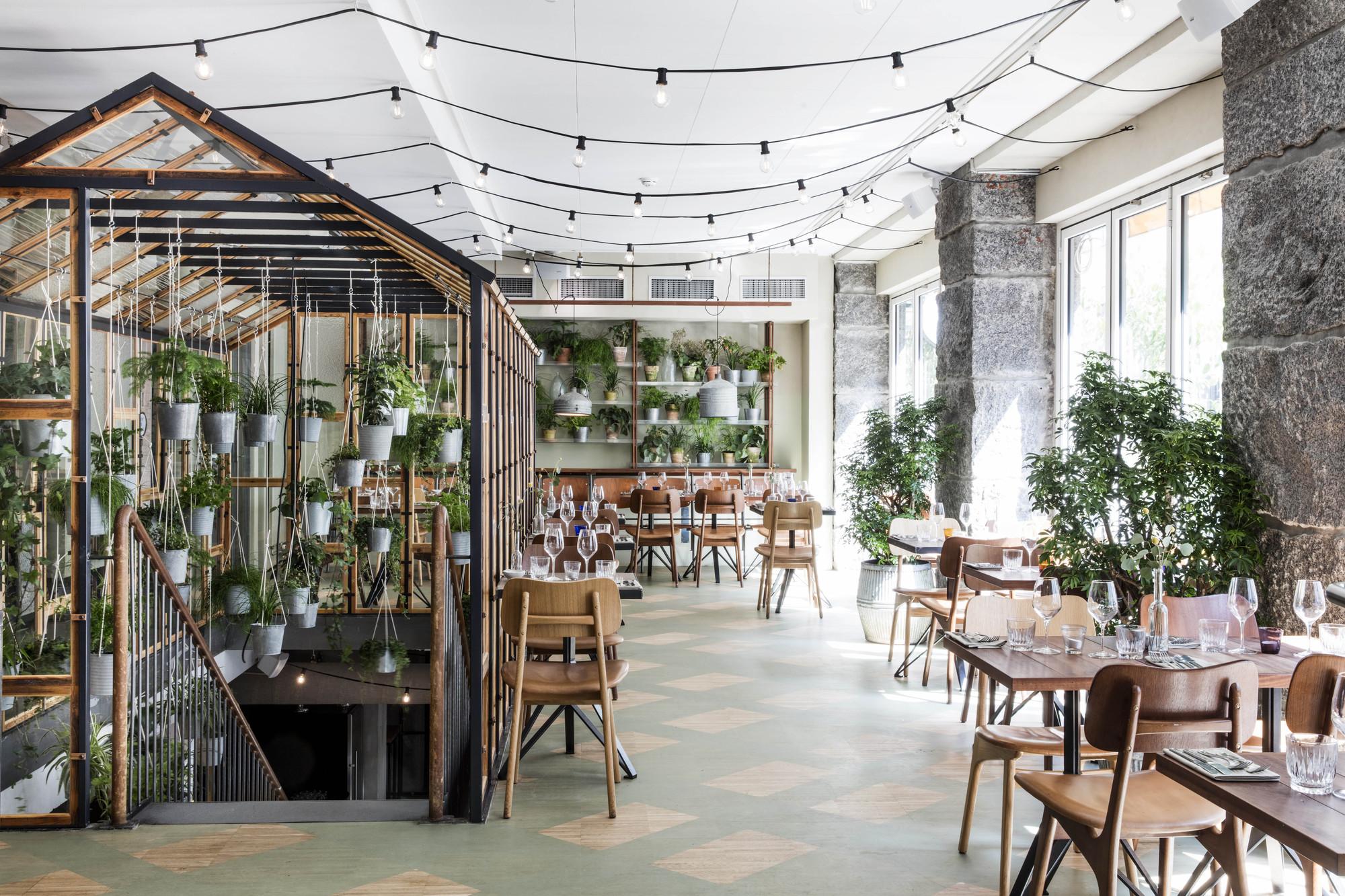 Restaurant v kst genbyg archdaily - Jonathan s restaurant garden city ...